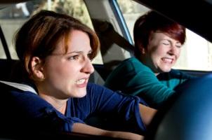 Ein Unfall in der Probezeit kann verschiedene Strafen nach sich ziehen
