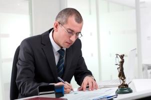 Sie suchen einen Anwalt in Koblenz? Im Verkehrsrecht helfen die Anwälte, welche in unserer Liste stehen, weiter.