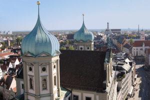 Finden Sie hier einen Anwalt für Verkehrsrecht in Augsburg.