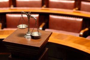 Ein Anwalt für Verkehrsrecht hilft, wenn Sie in Dillingen in einen Unfall verwickelt wurden.