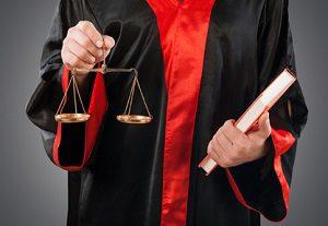 Ein Anwalt für Verkehrsrecht in Magdeburg kann Sie vor Gericht vertreten.
