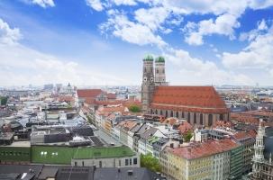 Ein Anwalt für Verkehrsrecht in München hilft seinen Mandanten unter anderem in Sachen Bußgeld.