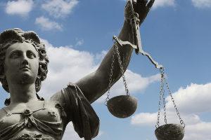 Ein Anwalt für Verkehrsrecht verfügt über besondere Qualifikationen.