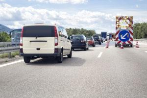 Nicht selten kommt es bei einer Baustelle zu einem Unfall auf der Autobahn.