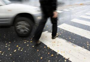 Erste Hilfe nach einem Verkehrsunfall: Wie reagieren Sie richtig?
