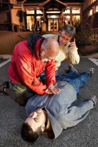Erste Hilfe: Die Herzdruckmassage macht vielen Angst.