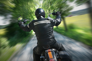 Ein Motorradunfall ist nicht selten auf überhöhte Geschwindigkeit zurückzuführen.