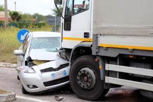 Mietwagen, Nutzungsausfall oder Interimsfahrzeug: Welche Möglichkeit die beste ist, entscheidet die Versicherung.