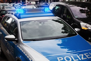 Nach einem Parkschaden sollte die Polizei informiert werden.