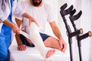 Ein Rechtsanwalt für Verkehrsrecht in Schwäbisch Gmünd hilft Ihnen im Fall einer Körperverletzung, Schmerzensgeld zu bekommen.