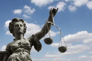 Die Schadensersatzhaftung ist aus dem Arbeitsrecht bekannt.