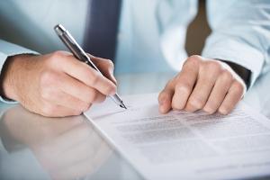 Ein Schuldanerkenntnis nach einem Unfall unterzeichnen oder nicht?
