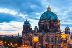Sie suchen einen Anwalt für Verkehrsrecht in Berlin? Hier werden Sie fündig.