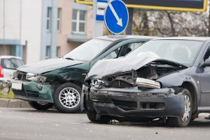 Nach einem Unfall hat der Geschädigte die sogenannte Schadensminderungspflicht.