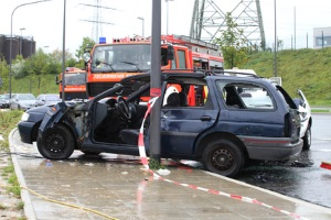 Für einen Unfall wegen einer Ölspur haftet der verursachende Autofahrer.