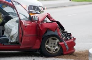 Nutzen Sie, um den Unfallhergang zu beschreiben, einen Unfallbericht.