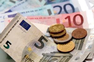 Verbandskasten vergessen? Ein Verwarngeld von 5 Euro droht.